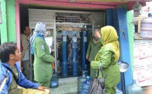 Minum Air Galon Depot Lebih Berbahaya